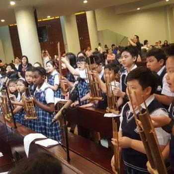 Perayaan Rabu Abu di Saint Monica Jakarta School