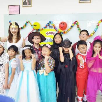 Membahagiakan Para Siswa dalam Acara Children's Day