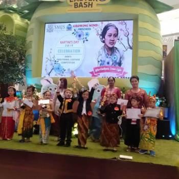 Kompetisi Kostum Tradisional Dalam Perayaan Hari Kartini Saint Monica Kelapa Gading